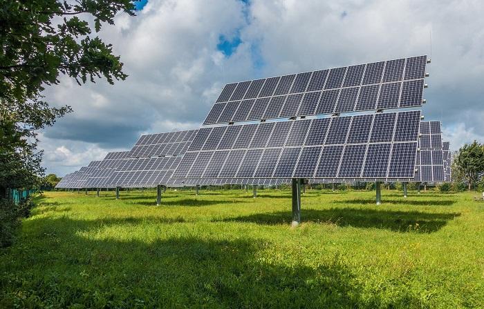 Solarne panely na veľkých plochách